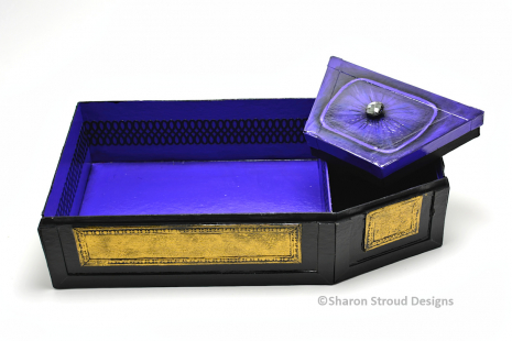 The Count's Coffin Box - Secret Compartment